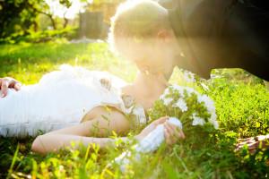 Poljub na travniku